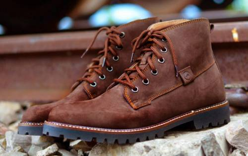 blog-hiking-boots-nubuck-leather
