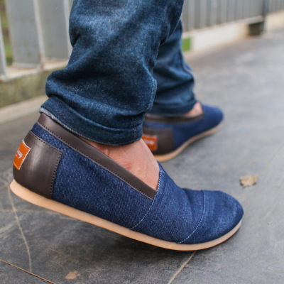 Sepatu Slipon Denim Casual Tracy