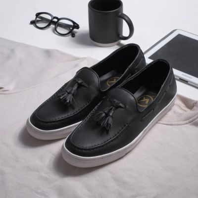 Sepatu sneakers casual kulit bill black